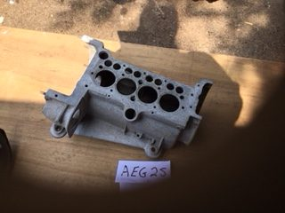 AEG25 - 3 bearing crankcase no 291104 good lip appears clean and fairly sound no cracks may need some threads