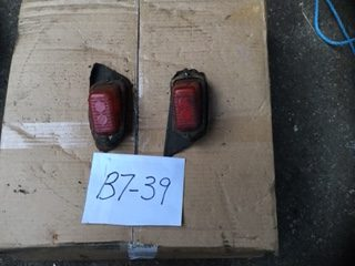 B7-39 Pair of tail lights